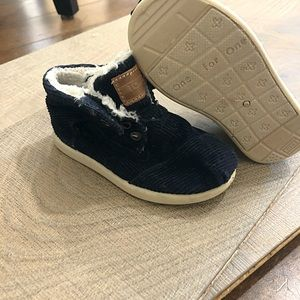 Toms baby boy corduroy slip on shoes
